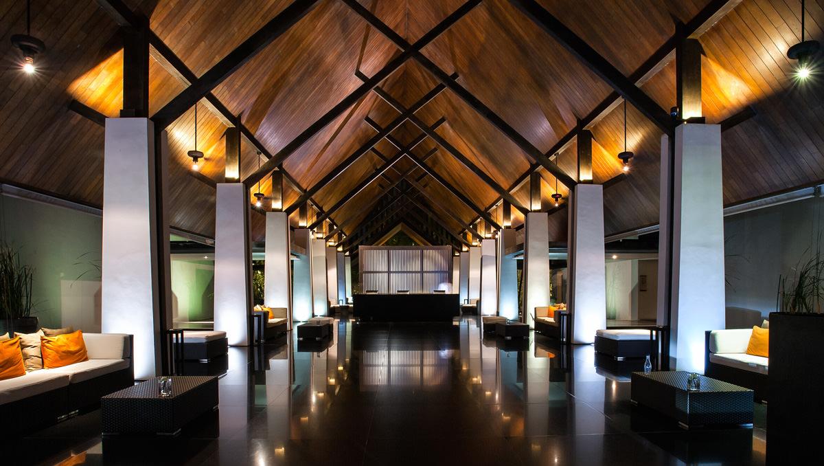 2-twinpalms-phuket-lobby