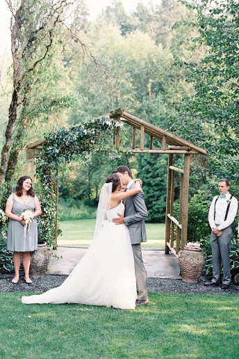 YOUR GUIDE TO BEAUTIFUL OUTDOOR WEDDING