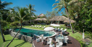 5 Reasons To Choose a Villa Over a Hotel for Your Wedding