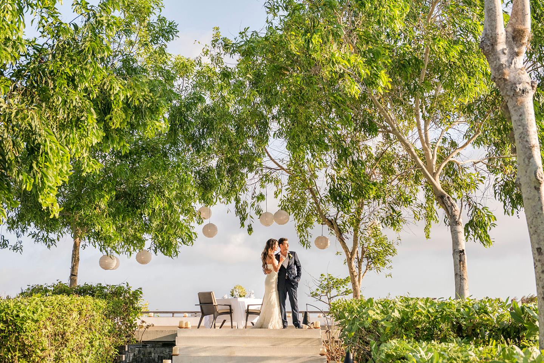 Alila-Villas-Uluwatu—Couple-at-Hilltop-Wedding-Venue