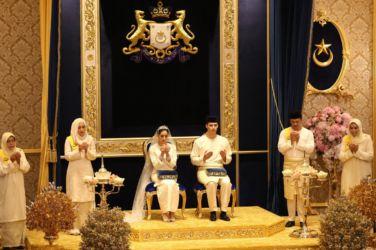 wedding, malaysia, celebrity - Princess of Johor Tunku Aminah marries Dutchman Dennis Muhammad in lavish Royal wedding
