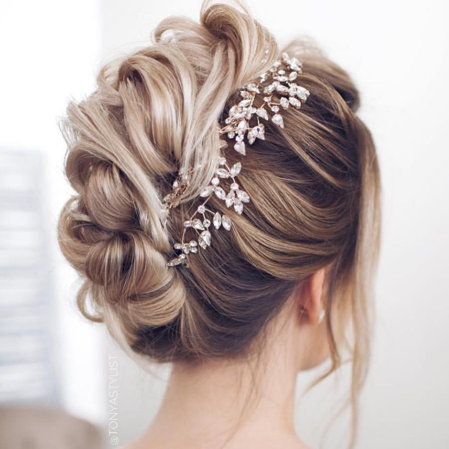 Bridal Hairstyle Tips For Your Wedding Day (1)