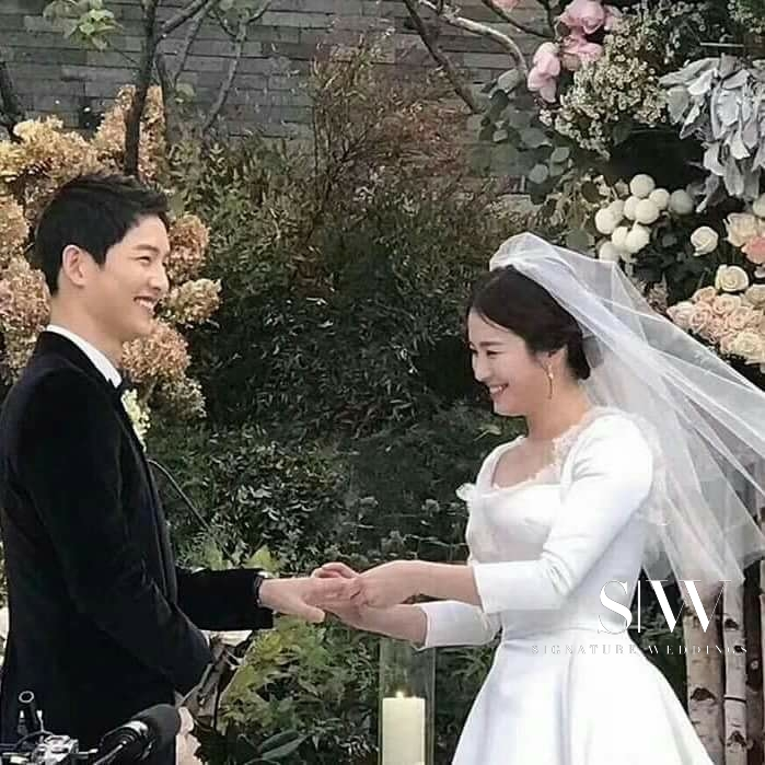 celebrity - Korean Celebrity Sweethearts Song Joong Ki and Song Hye Kyo Tie the Knot in Low-Key Ceremony
