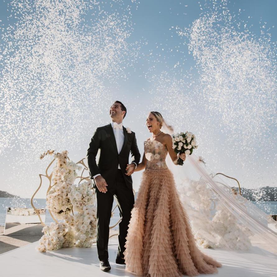 Deborah Symond Wedding at Qualia Resort is nothing short of perfection