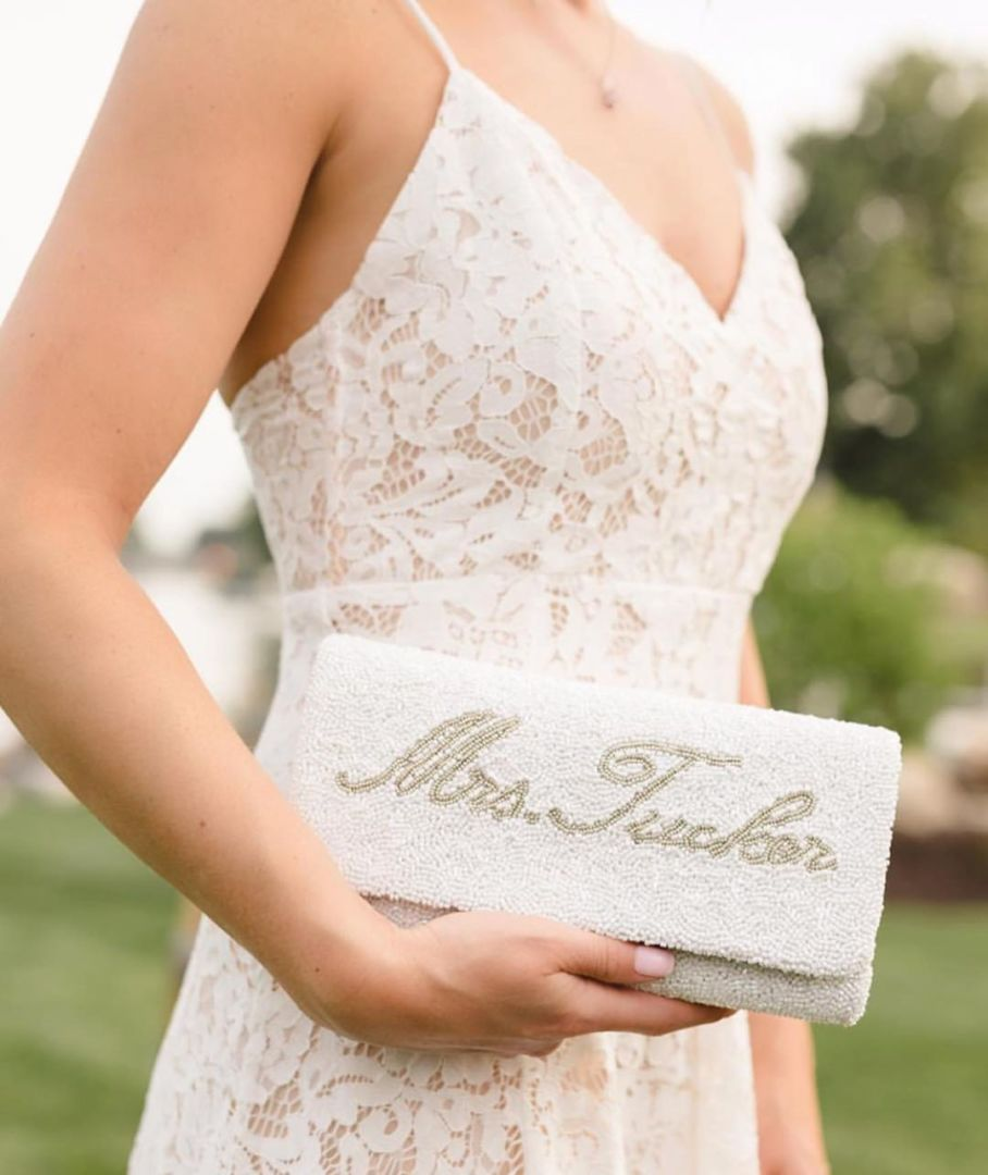 wedding, lookbook, etc - Glamorous Brides, You Would Need These 6 Accessories